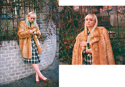 Pauline M - Vintage Fur Coat, Asos Book Clutch, Dress, Pull & Bear Heels - Cat Lady