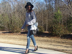 Sash - Forever 21 Black/White Contrast Tote, Forever 21 Boyfriend Jeans - Warm day in january
