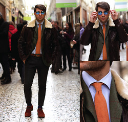 Filippo Fiora - Woolrich Jacket, Hackett Jacket, Camiceria Clerici Tailored Made Shirt, Boglioli Pants, Massimo Dutti Shoes, Ray Ban Sunnies - PARIS PASSAGE DE CHOISEUL