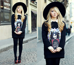 Anastasia Siantar - Givenchy Pin Up Sweatshirt, Zara Oversized Hat, Enpens Book Clutch, Charlotte Olympia She Wolf Pumps - Pin up