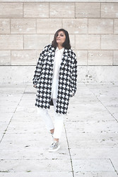 Flaviana B. - Selected Coat, Zara Jeans, Underground Shoes - PIED DE POULE