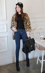 Miamiyu K - Miamasvin Pentagon Baseball Cap, Miamasvin Faux Leopard Fur Coat, Miamasvin Rib Texture Pullover With Shoulder Cutouts, Miamasvin Washed Blue Skinny Jeans, Miamasvin Classic Leather Satchel, Miamasvin Lace Up Platform Boots - Roar