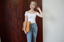Tia Elisabeth - Garage Off The Shoulder, Topshop Mom Jeans, Vintage Market Oversized Clutch, Clinique A Different Grape, Essie Wicked Nail Polish - Head & Shoulders Above