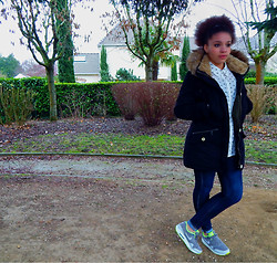 Kailyn G. - Nike Air Max 1, Mango Cat Shirt, Zara Black Coat - Bad weather in France!