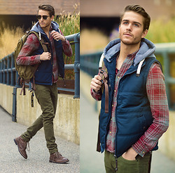Adam Gallagher - Cotton On Vest, Topman Shirt, Cotton On Skinny Jeans, Boots, Ray Ban Clubmaster's - Meander