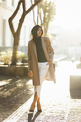 Génesis Serapio - H&M Camel Coat, Zara Turtleneck Sweater, Zara Trousers, Zara Heels - Neutral zone