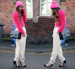 Kavita D - Bershka Pink Beanie, Missguided Pink Flufy Crop Jumper, Frontrowshop Leather Pants, Ebay Black Strappy Heels - Piink