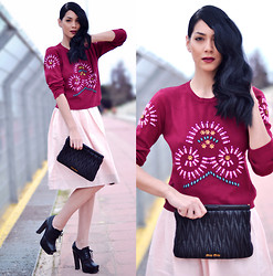 Konstantina Tzagaraki - Sweatshirt, Dolce & Gabbana Skirt, Miu Purse, Heels - When you're on the air,there's no land you need to call home