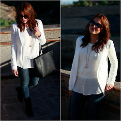 Carolina González Toledo - Lefties Blazer, Basyco Necklace, Zara Sweater, Zara Jeans, Lefties Bag - WHITE