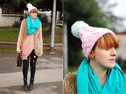 Monique K.... - Tunic, Cap, Jeans, Boots - Pastel