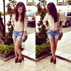 Iasmin Coelho - Renner Shirt, John Short Jeans, Raphaella Booz Oxford - Sweet nothing