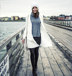 Anouska Proetta Brandon - American Apparel Beanie, Choies Jumper, Choies Coat, Guess? Skirt, Office Shoes - Bullwall.