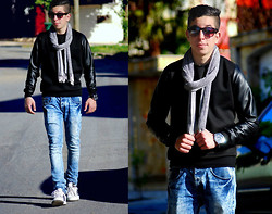 Hamza Benyahya - H&M Black Cotton In Sweaters, Diesel Blue Jeans, Adidas White In Shoes - Born to be Free !