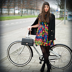 Fashionista Chloë Sterk - Bullboxer Heels, Boohoo Dress, Forever 21 Jacket, Boohoo Bag - BY BIKE TO AMSTERDAM FASHIONWEEK