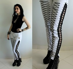 Rokaia MAB - Diy Rokaia Mab Doro Pesch Pants Inspiration - The Night Of The Warlock (DIY pants)