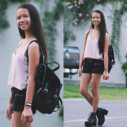 Pamela + Dami - American Eagle Pink Top, Guess? Black Shorts, Forever 21 Black Backpack, Dress Lily Black Chunky Boots - We roll in every summer
