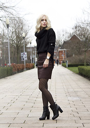 Anita VDH - Only Jumper, Sacha Boots, Only Fig Skirt - Amsterdam Fashion Week