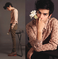 Vini Uehara - Christianto Style Shirt, Guidomaggi Shoes - Flowers and little flowers