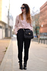 Alexandra G. - H&M Shirt - BLACK AND PINK