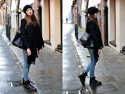 Lizzy Hadfield - Alexander Wang Blazer, All Saints Jeans, Kurt Geiger Boots, Céline Handbag - Casual