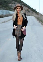 Style Statement By Cláudia - H&M Cardigan, Zara Skirt, Zara Hat, Promod Bag - TARTAN SKIRT