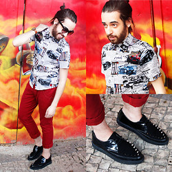 Breno Freitas - Creeper Shoe With Spikes, Blouse Printed With Newspaper - Headline