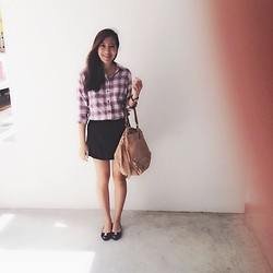 Q A - Uniqlo Checkered Shirt, Black Skorts, Givenchy Pandora Bag, Salvatore Ferragamo Flats - Checkered