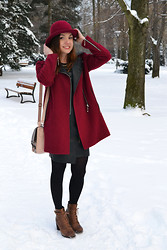 Jadzia L - Romwe Coats, Lasocki Shoes - Burgundy hat