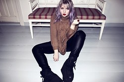 Thelma Malna - Seppälä Turtleneck Jumper, Lindex Ring, H&M Leather Pants, Buffalo 1310 2 Sneakers - FAUX LEATHER PANTS