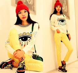 Aibina Yeshkeyeva - Zara Red Hat, Udobuy Sweater - BRIGHT EYE