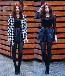 Joanna SERWUS - Frontrowshop Jacket - Black&white outfit
