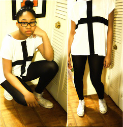 Lisaxhayden . - Forever 21 Cross T Shirt, Converse White Chucks - This is My Story: Capturing Time
