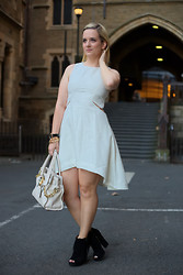 Sara-May Selten - Finders Keepers The Label Dress, Michael Kors Bag, Nine West Shoes - Pretty in White