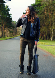 Emma Whyte - Zara Jacket, Zara Knit, Topshop Sneakers, Bershka Bag - The Curragh In Camo