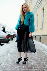Darya Yakovleva - Fur, Zara Bag - TRANSPARENT