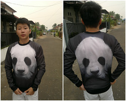 Hugo Adrian - Mr. Gugu & Miss Go Panda Sweater, Watch - Mr Gugu Love Panda