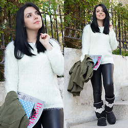 Emel Acar - Romwe Sweater, Romwe Ipad Case, Leggings, Dusi Tasarim Boots - Cozy Weekend