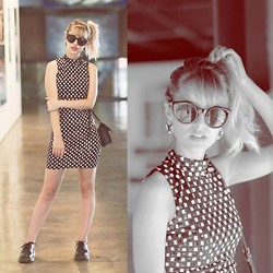 Julia Alcântara - Motel Rocks Sleeveless Dress, Dr. Martens Black, Ui! Gafas Glasses - Memorial de Curitiba | @tudoorna
