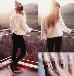 Jessica Christ - Grim Beanie, Choies Faux Fur Sweater, Topshop High Waisted Jeans, Vans Sk8 Hi Platform Shoes, Galisfly Rings - Rather be - clean bandit