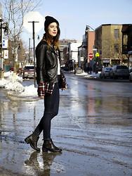Anik L.R. - H&M Leather Jacket, Topshop Jamie Jeans, Topshop Chelsea Boots - Take a walk