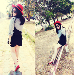 Nay Keerati KEERATIYUNTONG - Gray Cardigan Sweater, Black Shorts, Chanel Red Shoes, White Watch, Ray Ban Black Sun Glass, Red Hat - TOP & UNDER RED
