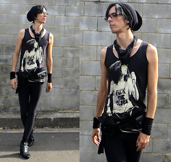 Pistachio Rugrain - Patti Smith Handprint Tank Top, Black Milk Clothing Matte Leggings - Peace and Noise
