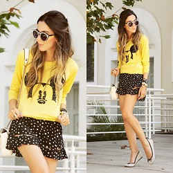 Flávia Desgranges van der Linden - Displicent Mickey Jumper, Dafiti Skirt, Zerouv Sunglasses - Everybody loves Mickey