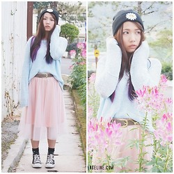 Angeline Ng - H&M Beanie, H&M Sweater, H&M Belt, Trendy Bellaz Mesh Skirt - Sunflower Girl