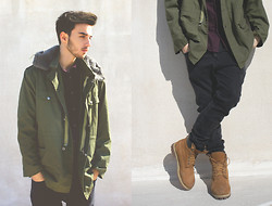 George Diamantis Diamantis - H&M Shirt, H&M Skinny Jeans, Timberland Shoes, Coat Vintage - ARMY style