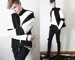 Mikko Puttonen - H&M Jacket, Motel Leather Tee, Trousers, Boots - Go gold