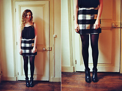 Summer R - Topshop High Waisted Skirt, Topshop Crop Top, Topshop Ankle Boots - Checkered Print