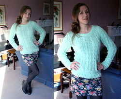 Claire Raywood - Superdry Mint Jumper, Primark Floral Skirt, Black Tights, Rocket Dog Flower Boots - Mint Flowers