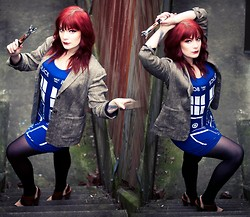 Molly McIsaac - Her Universe Tardis Dress, Jessica Simpson Brown Heels, Thrifted Tweed Jacket - Timey Wimey Wibbly Wobbly