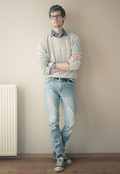 Paul R - H&M Sweater, Tw Steel Watch, Weekday Jeans, Converse All Stars - Light